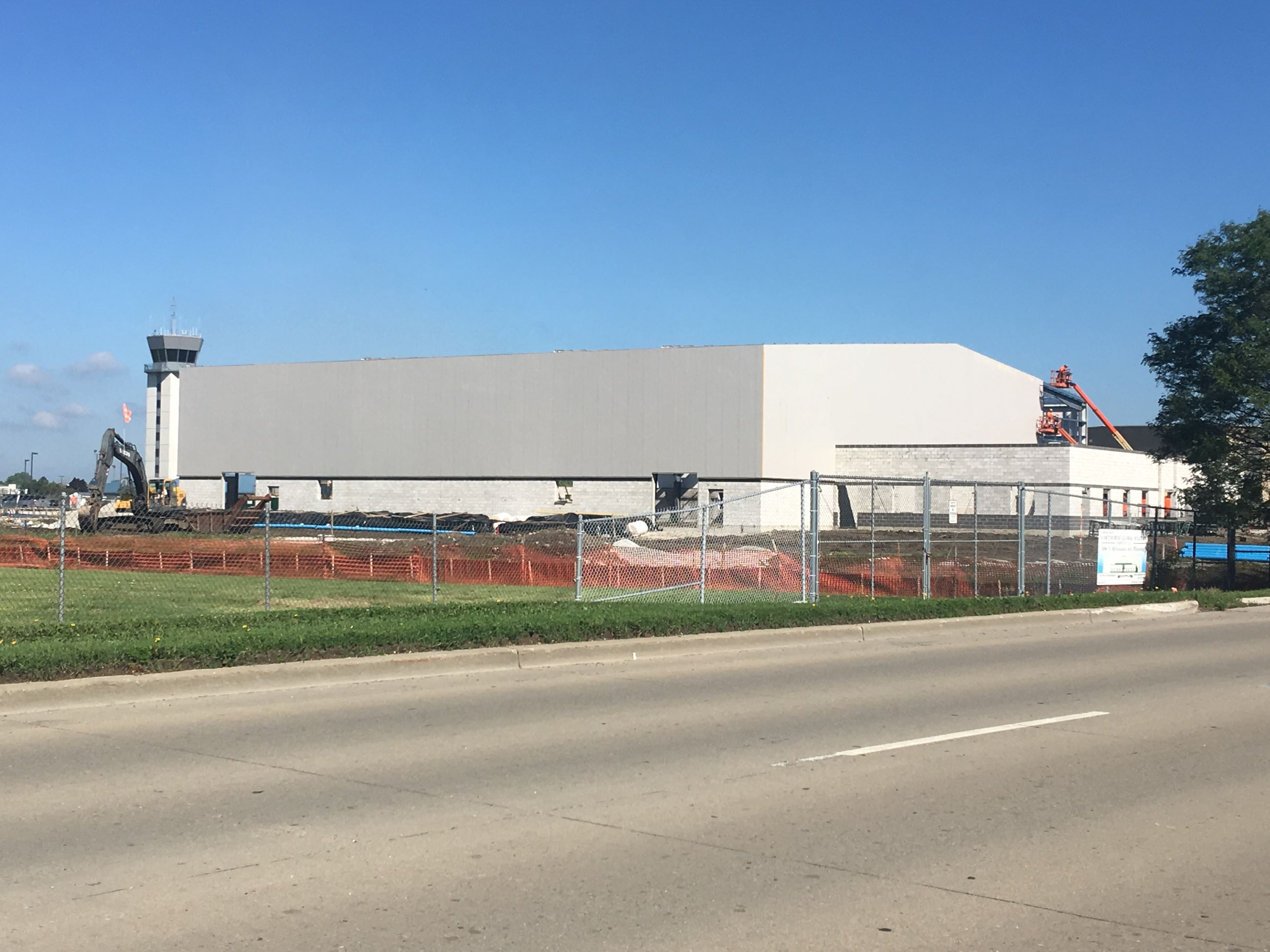 Hawthorne Aviation - Hangar Construction 6-28-18